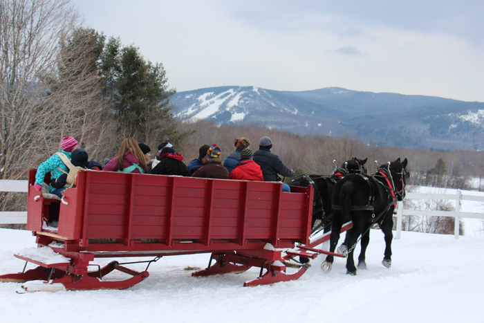 New Hamsphire  Sleigh rides at the Farm by the River North Conway