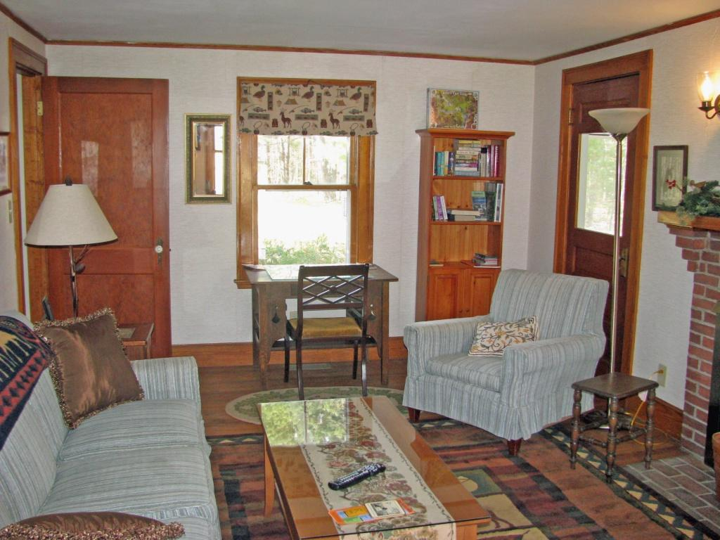 Vacation rentals cottage North Conway NH-Alpine Moose Cottage ...