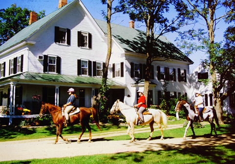 Farm by theRiver B and B with horseback riding -on-site
